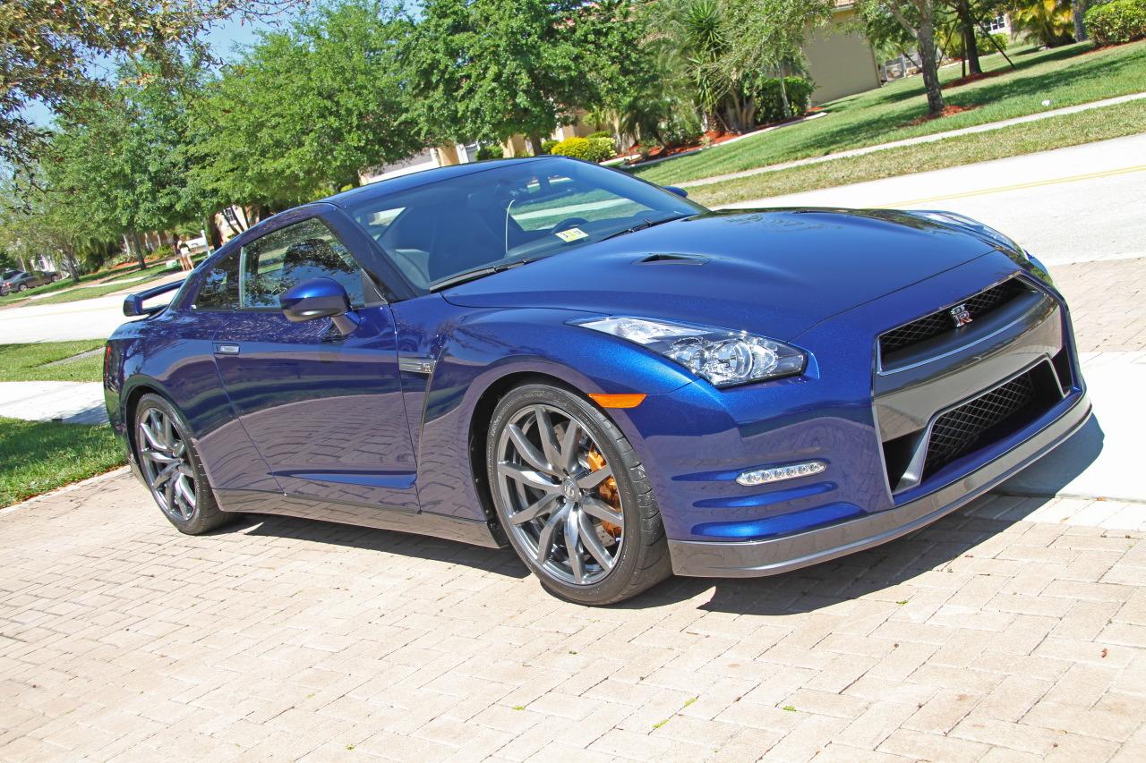 My 2012 Pearl Blue Gt R 6speedonline Porsche Forum And