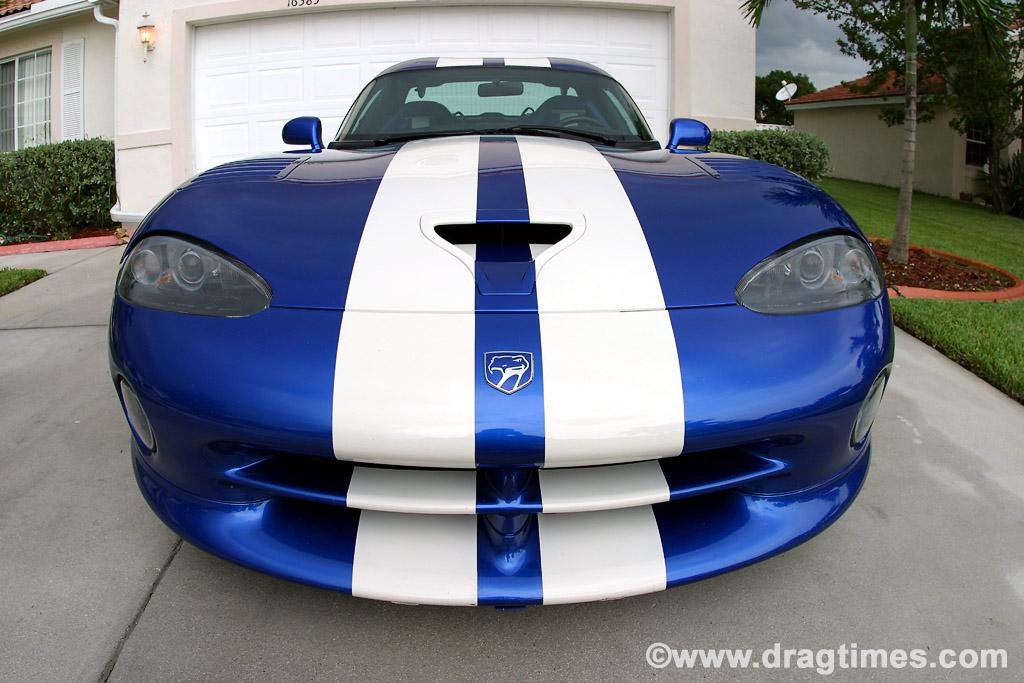 1996-Dodge-Viper-GTS-front2-sm.jpg